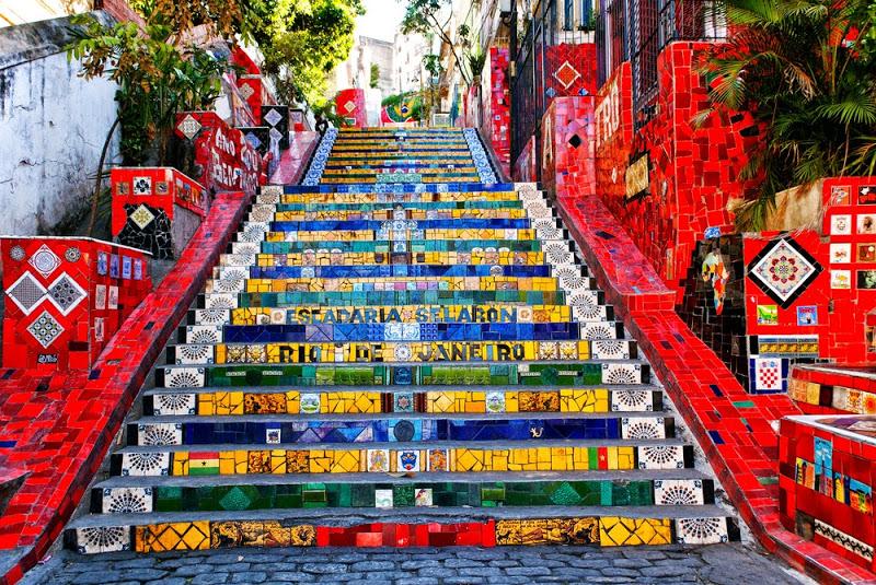 A escadaria Selaron é uma dos pontos mais visitados de Santa Teresa