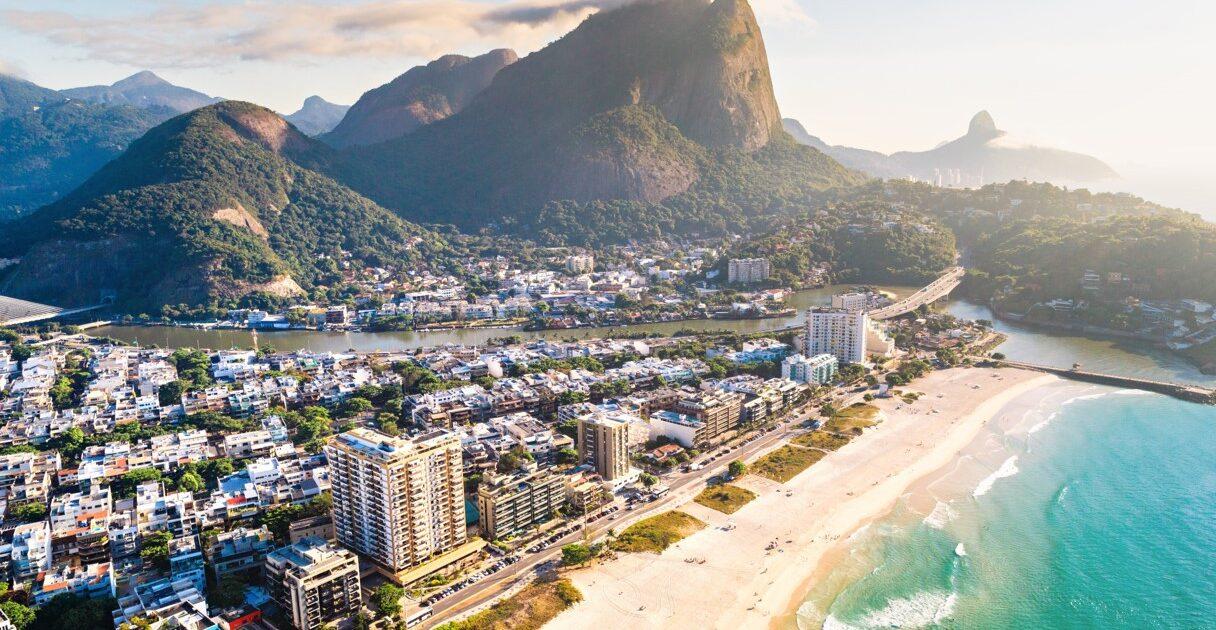 O início da Praia da Barra da Tijuca é conhecido como Praia do Pepê.