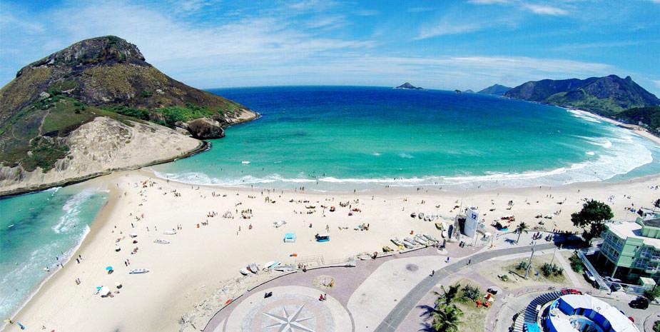 Praia do Pontal e Pedra do Pontal