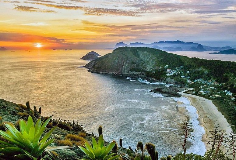 Praias de Niterói - Itacoatiara